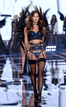 rs_634x1024-141202135249-634.Lily-Aldridge-Victorias-Secret-Fashion-Show.ms.120214
